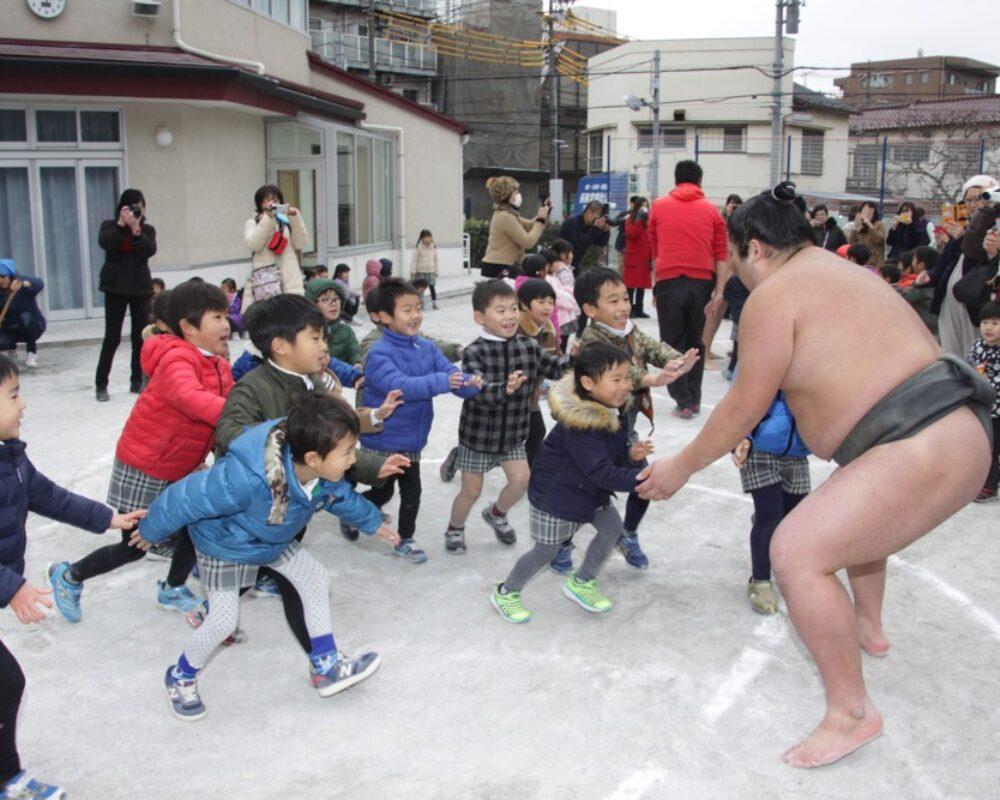 お相撲さんと勝負!